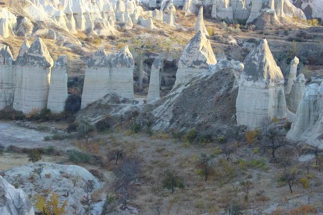 土耳其一个叫做爱情谷的地方 有成片让女生看了害羞的独特造型