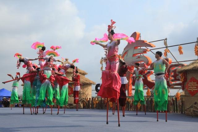 丰收中国 幸福盘锦:首届中国农民丰收节盘锦活动隆重开幕