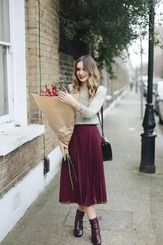 针织衫 半裙,才是秋天最显气质的搭配!