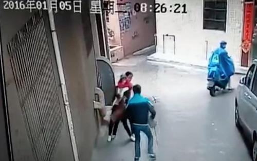 沈阳15岁小伙为为满足女友持械抢劫
