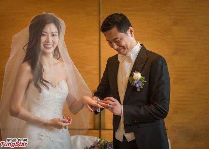 赵薇老公旧爱叶翠翠办百万婚礼 双手戴满金器钻饰