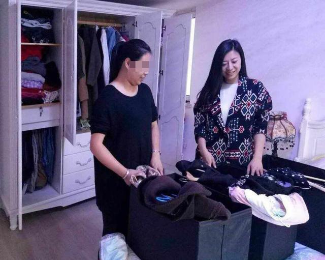 美女衣橱整理师月入过万 客户私企老板最多