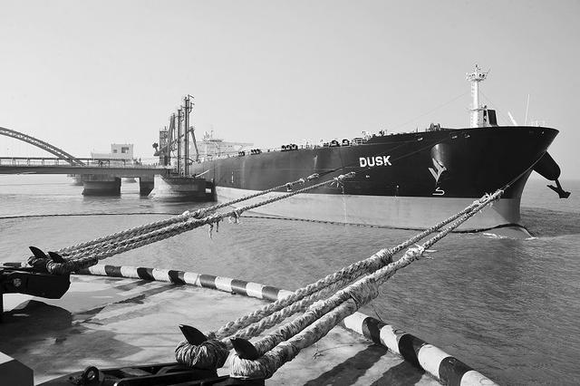 长兴岛30万吨级原油码头正式运营