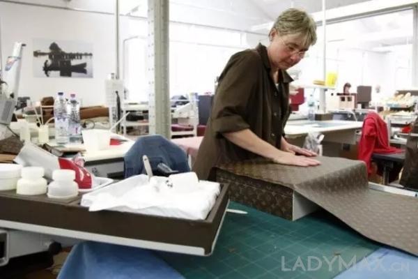 LV皮具厂员工15年来首次罢工 或将影响产品生产及售价