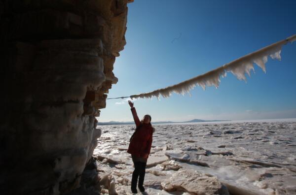 大连气温-13.6度 瓦房店驼山排石再现冰挂美景