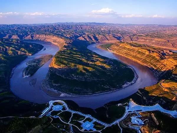一条公路玩遍西北一个省 有湿地有峡谷还不走起