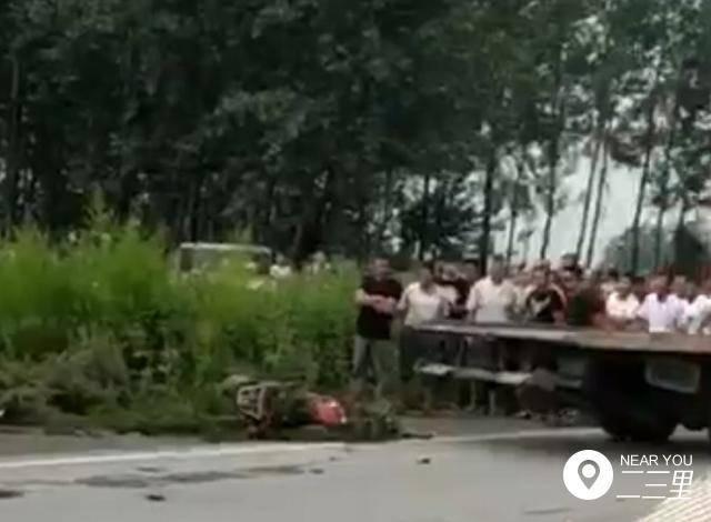 铁岭新三线一男子命丧车轮下 被货车撞后当场死亡