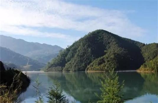 大连旅游新名片 小黑山森林公园与宏艺雕塑部落