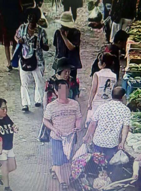 女子双兴市场买菜手包被偷 希望小偷还回手机