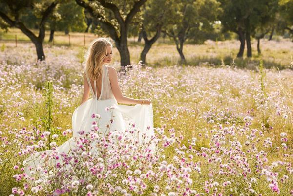 春季户外婚礼 如何做个穿仙裙的新娘