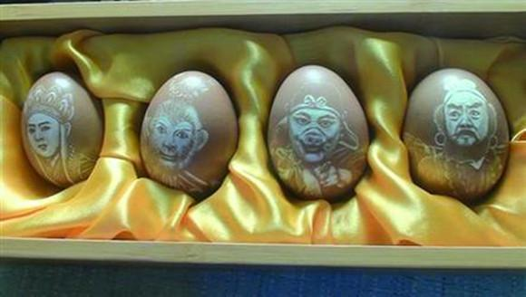 辽宁女子自学蛋雕技术 30年用数千鸡蛋