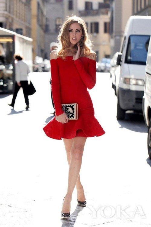模特型人街拍示范夏日红色搭配
