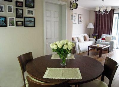 创意家居装饰品:向客厅这边看-80后小夫妻混搭风格装修 家居装饰品图片