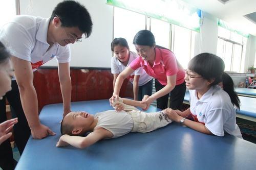 鞍山建立残疾儿童康复救助制度图片
