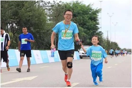 最美十公里:9月1日丁香湖十公里�R拉松�_跑
