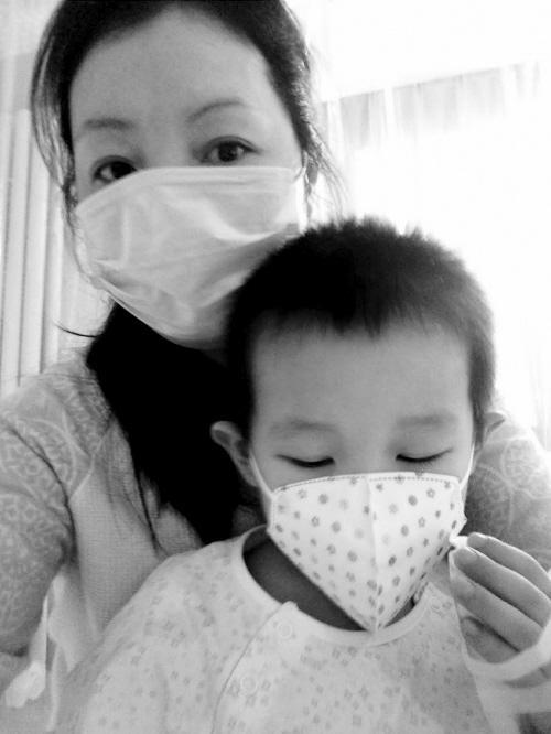 不幸!3岁自闭症宝宝患急性再生障碍性贫血