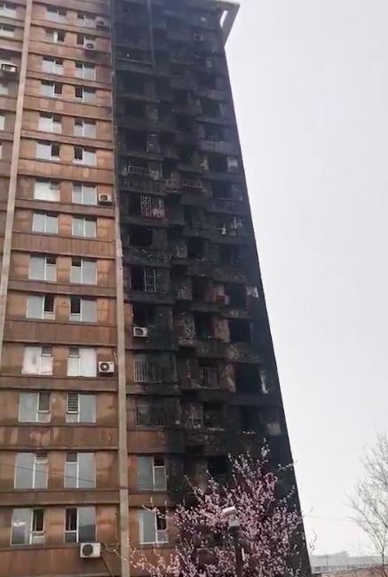 沈阳世代龙城38号楼半夜发生火灾 未造成人员伤亡