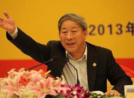 亏了8万块却换来4900亿,他号称全球华人第一狂