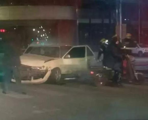营口华联路口发生一起单方面交通事故