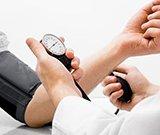 高血压与年龄无关 治疗仍需终身服药