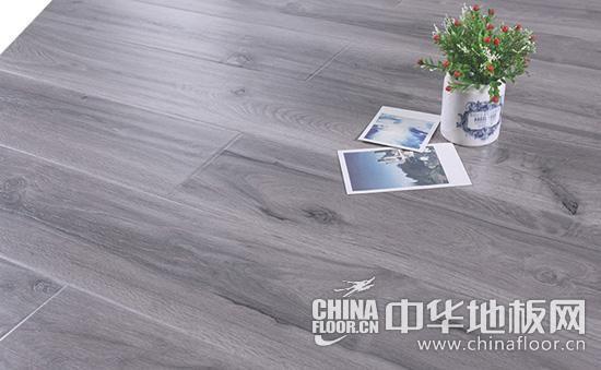 贝多芬    推荐品牌:荣登地板    产品名称:登仿实木强化复合地板木