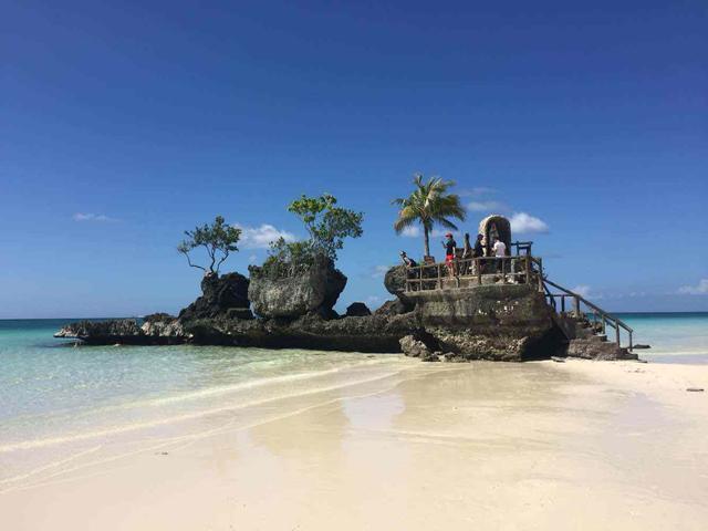 菲律宾最美海岛 曾为韩国人度假天堂 如今五分之一都是中国游客