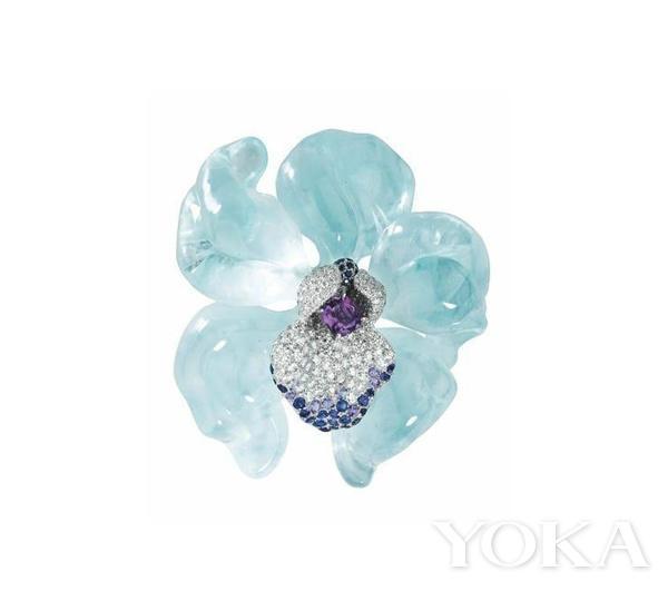 卡地亚兰花系列海蓝宝胸针。