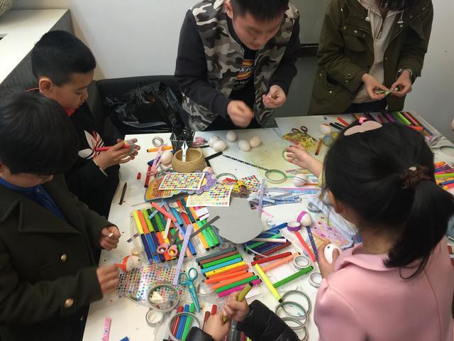 """""""视觉""""未来之旅 艺术教育对儿童思维发展起决定性作用"""