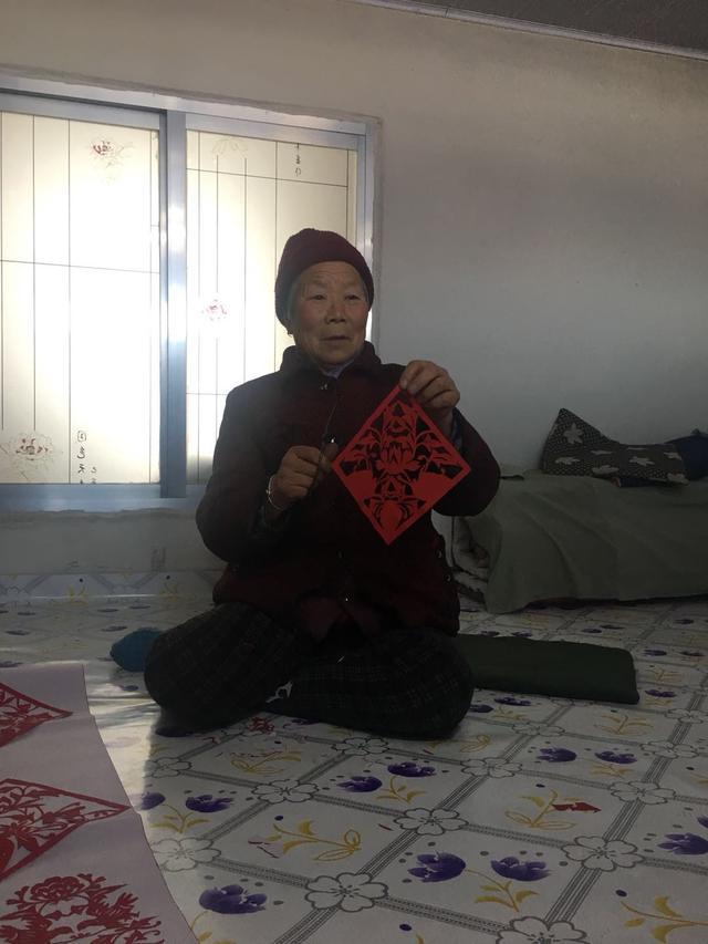 新春走基层:辽宁西丰县复兴满族剪纸技艺