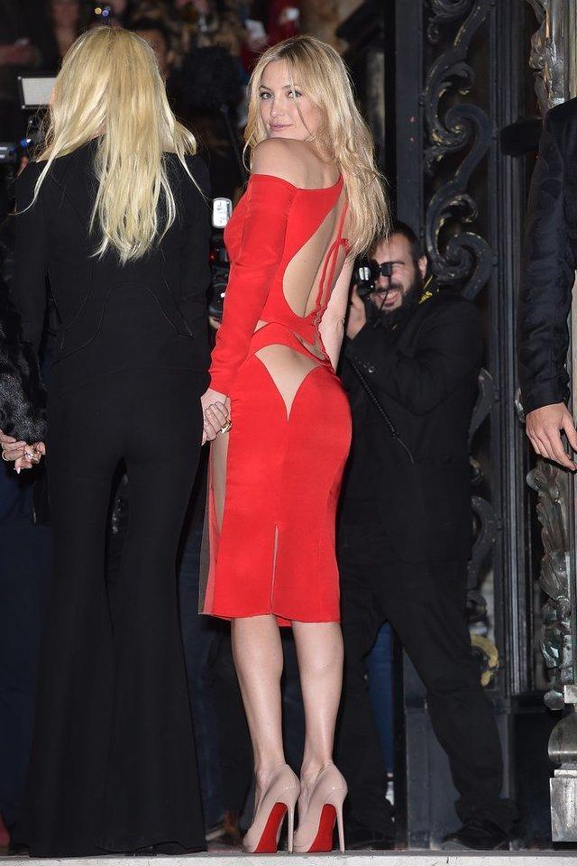 Kate Hudson身着Versace亮相2015春夏高定