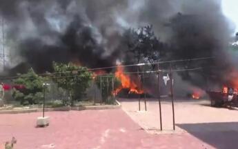 垃圾堆起大火 4家窗玻璃被烧炸