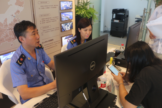 浑南区市场监督管理局驻场办公,为花园城商户现场办理营业执照