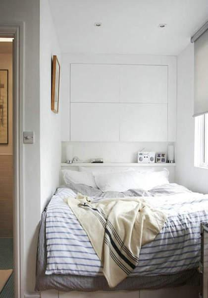 背景墙 床 房间 家居 家具 设计 卧室 卧室装修 现代 装修 420_600 竖