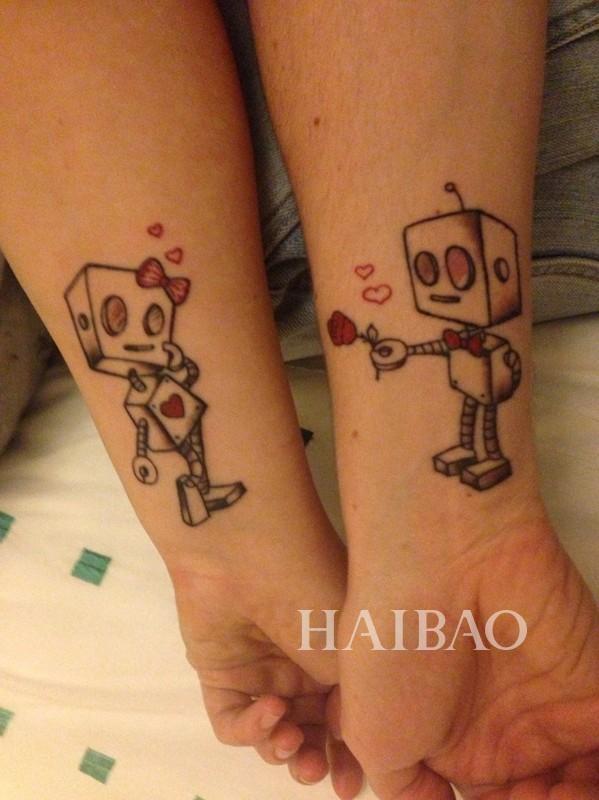 情侣纹身 相似图案 纹身