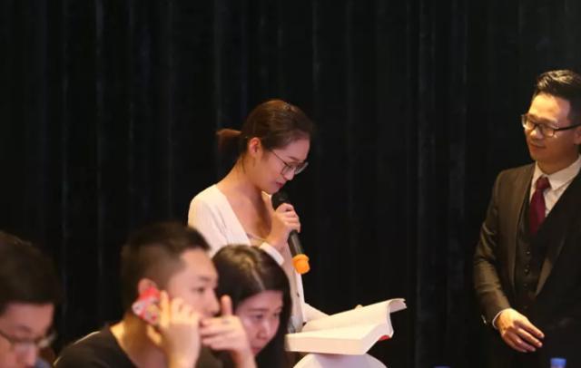 青年作家袁景春携新书《筑梦的舞者》在杭州签售
