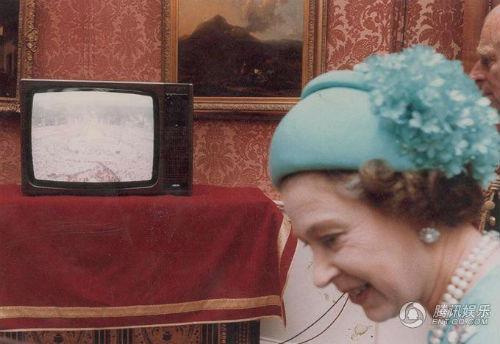 戴安娜王妃珍贵婚礼照片-戴妃12张未公开婚礼照片将被拍卖