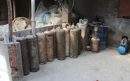 葫芦岛两男子非法生产乙炔 窝点被警方端掉