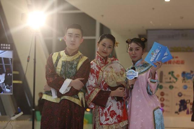《城市厨房》第四期上演穿越大戏 外国友人因吃谭家菜决定留在中国