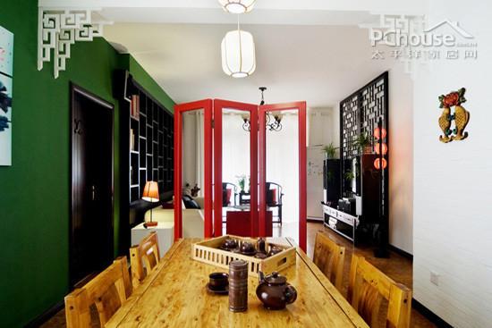 若喜欢中式家具的典雅,美观,那么中式屏风无疑是很好的搭配.