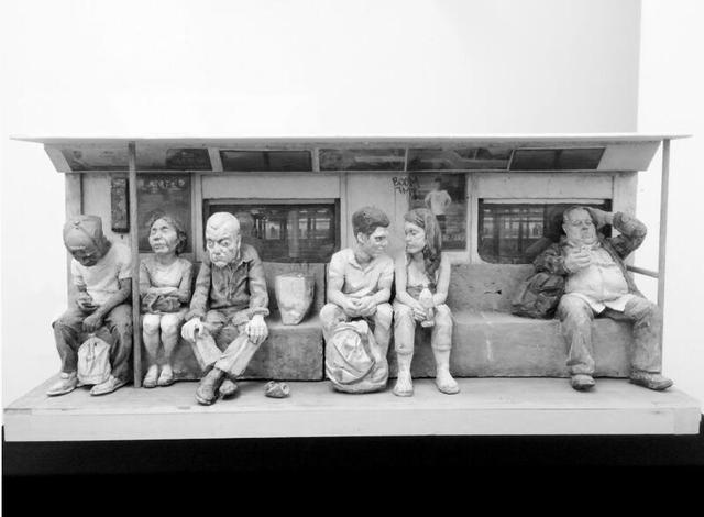 26岁大连小伙雕塑地铁众生相征服观众 走红纽约