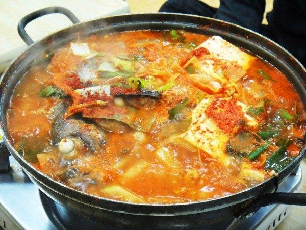 韩国辣鱼汤图片