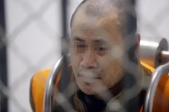杀人埋尸抢10万 潜逃17年后因一张车票落网