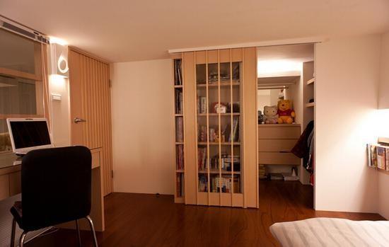巧借小卧室划出衣帽间 小户型也用拥有豪宅范儿