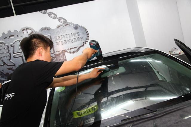 看完这个就知道 汽车玻璃到底有没有必要贴膜