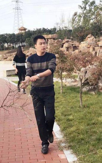 塞拉维置业董事长黄继伟一行视察建设工作