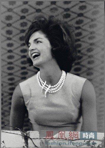 梵克雅宝传奇女性演绎珠宝
