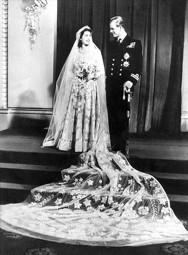 queen elizabeth 2 wedding dress. for Queen Elizabeth II,