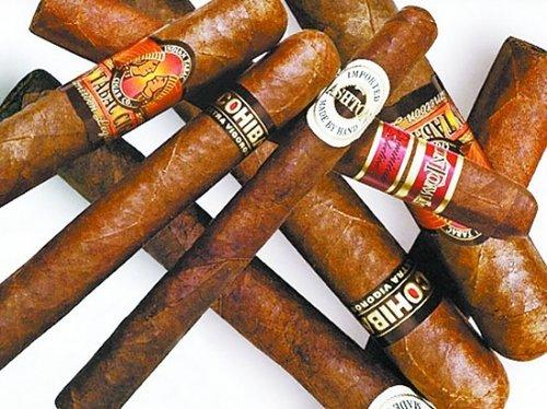 茄标应在雪茄燃烧至剩四分之一部位时撕下,以享受雪茄生命的全过程.
