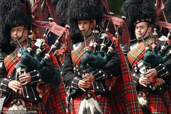 中国苏格兰风笛乐队_苏格兰风笛手的装束