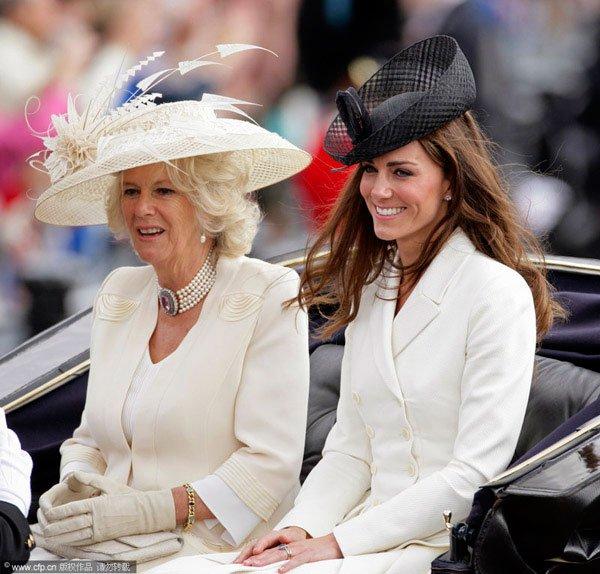英国皇家阅兵式 凯特穿McQueen套装展现上流美图片